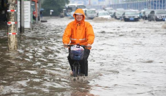 洪水包围时,哪些物品可以作为逃生工具
